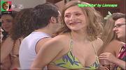 Sónia Brazão sensual na serie Maré Alta