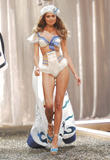 th_08250_fashiongallery_VSShow08_Show-211_122_1146lo.jpg