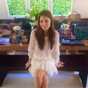 Shiri Appleby - LA Trunk Show At Her House