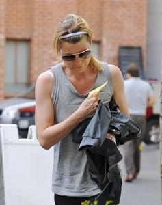 Ellen Pompeo goes to the gym in Beverly Hills - April 18, 2011