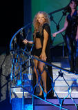 Mariah Carey Just one with her pooch Foto 718 (Марайа Кэри Лишь один со своей дворняжка Фото 718)