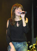 *CLASSIC* Mandy Moore- 106.1 BLI Long Island Winter Jam 2001 in Uniondale, NY on Dec. 2, 2001- pics +vid (tight jeans)
