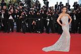 Канны (Annual Cannes International Film Festival ) - Страница 3 Th_89141_Eva_Longoria_Cannes2010_025_122_480lo