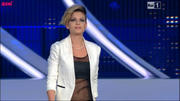 [IMG]http://img17.imagevenue.com/loc533/th_83386_NinaZilli_SilviaMezzanotte_Emma_Dolcenera_Sanremo120215_06_122_533lo.jpg[/IMG]