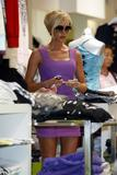 123mike HQ pictures of Victoria Th_04643_Victoria_Beckham_shopping_in_Beverly_Hills_093_123_653lo