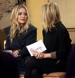 Olsen twins (Сестры Олсен: Мэри-Кейт и Эшли) - Страница 7 Th_16164_celebrity-paradise.com-The_Elder-Ashley_and_Mary-Kate_Olsen_2010-02-03_-_at_ABC_Studios_793_122_66lo