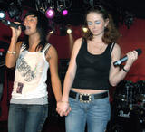 TATU IMAGENES Th_73710__tatu_perform_in_club_addict_in_tokyo_140__122_705lo