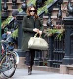 Sarah Jessica Parker in New York with dark hair – what do you think?
